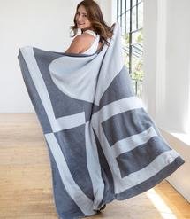 Dolce™ LOVE Throw